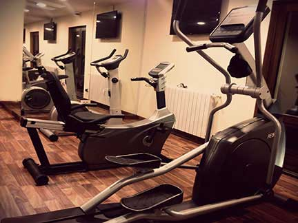 The Lodge Inn Faraya Gym equipment