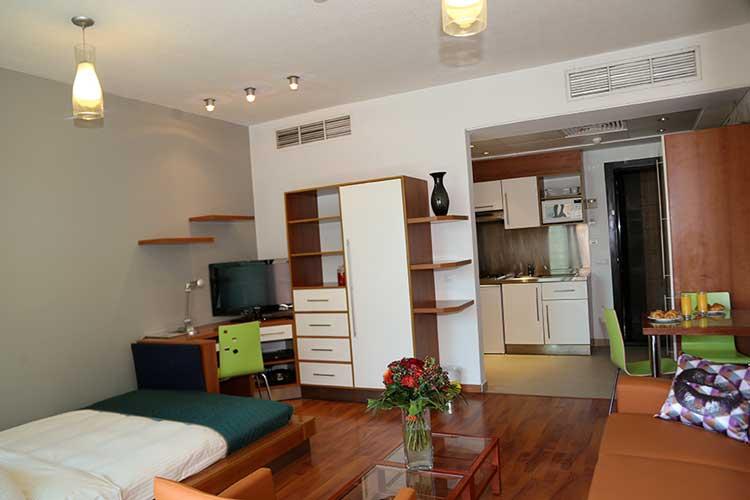 Sky Suites Hotel Studio