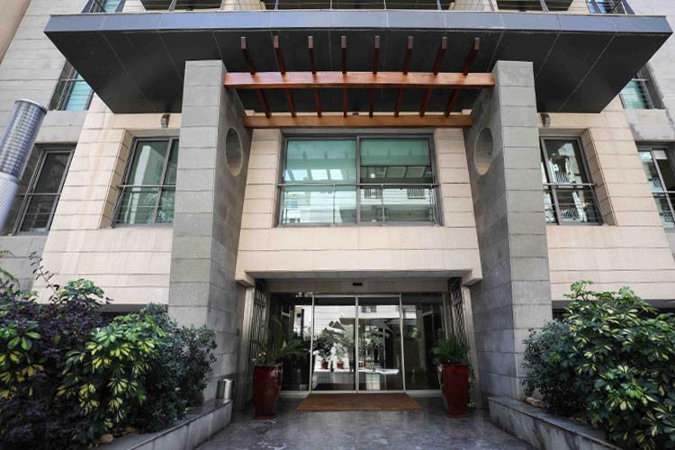 Sky Suites Hotel