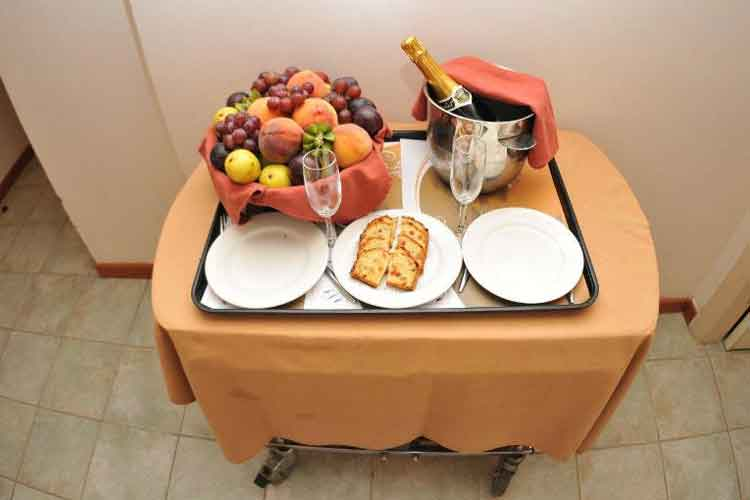 Florida Beach Hotel and Resort Room service