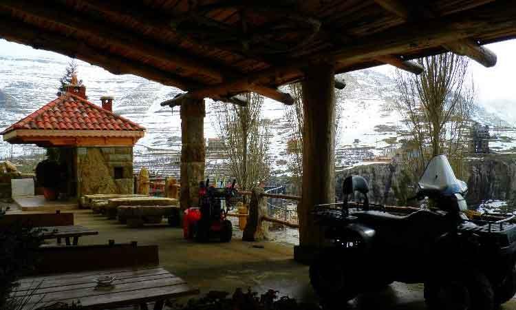 Auberge le Valais Faraya Outside Terrace