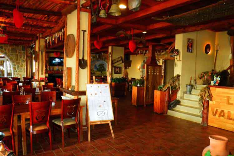 Auberge le Valais Faraya Restaurant