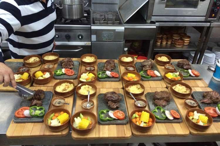 Auberge le Valais Faraya Kitchen