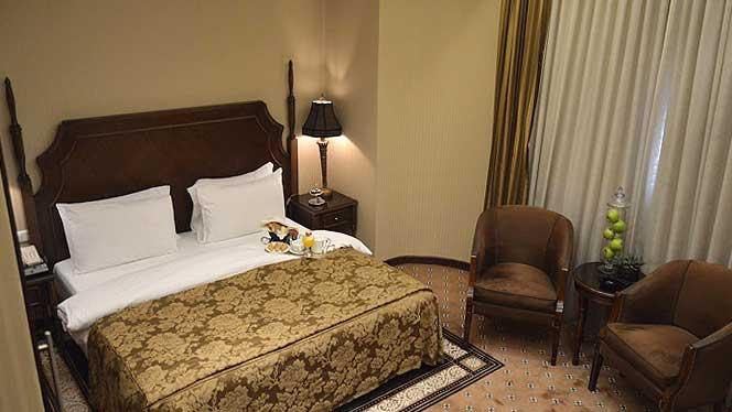 Etoile Suites Deluxe Room