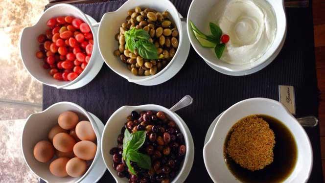 Etoile Suites Breakfast
