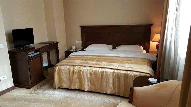 Etoile Suites Standard Room