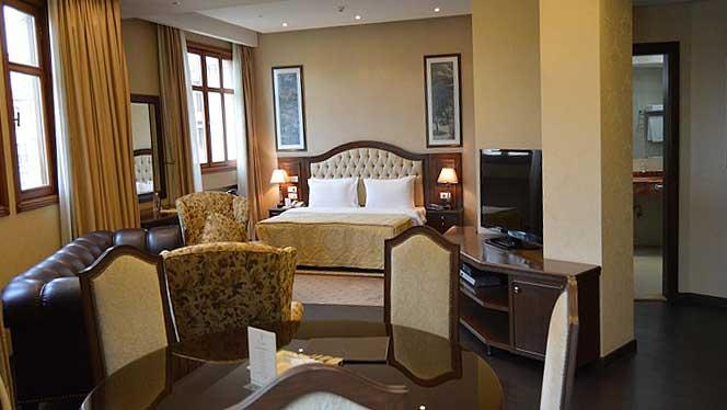 Etoile Suites Grand Deluxe Suite