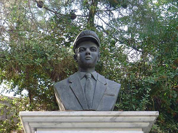 Panayiotis Toumazou & Alekos Kostantinou Statue, Cyprus